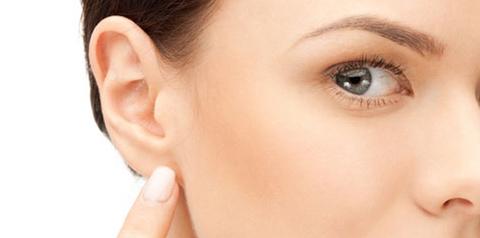 La otoplastia: la solución a unas orejas muy grandes o deformadas