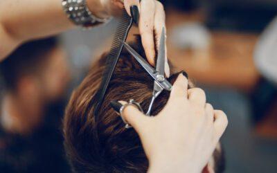 ¿Si me afeito o corto el cabello crecerá antes y más fuerte?