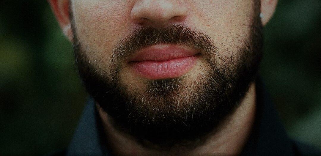 Trasplante de pelo facial: porque tu también puedes lucir barba o bigote
